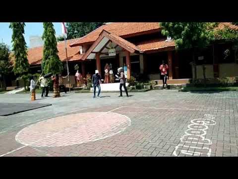 Poppin dance-cover marsh mellow summer(smk prapanca)