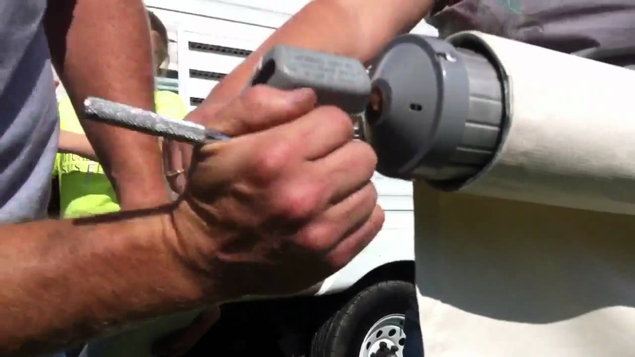 Replacing the awning fabric on an A&E model 8500 RV awning  (Part 2) By  How-to Bob
