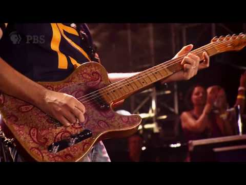 Country Nation  Brad Paisley  Landmarks  in Concert