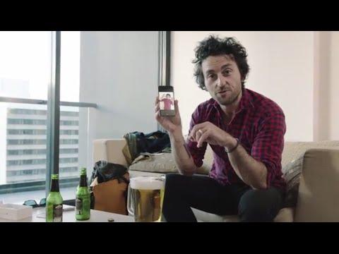 【動画あり】iPhone6 を最速ゲット直後に即水没! ビールのピッチャーに落とした決定的瞬間 / 完全に計算尽くめだったその動機とは?