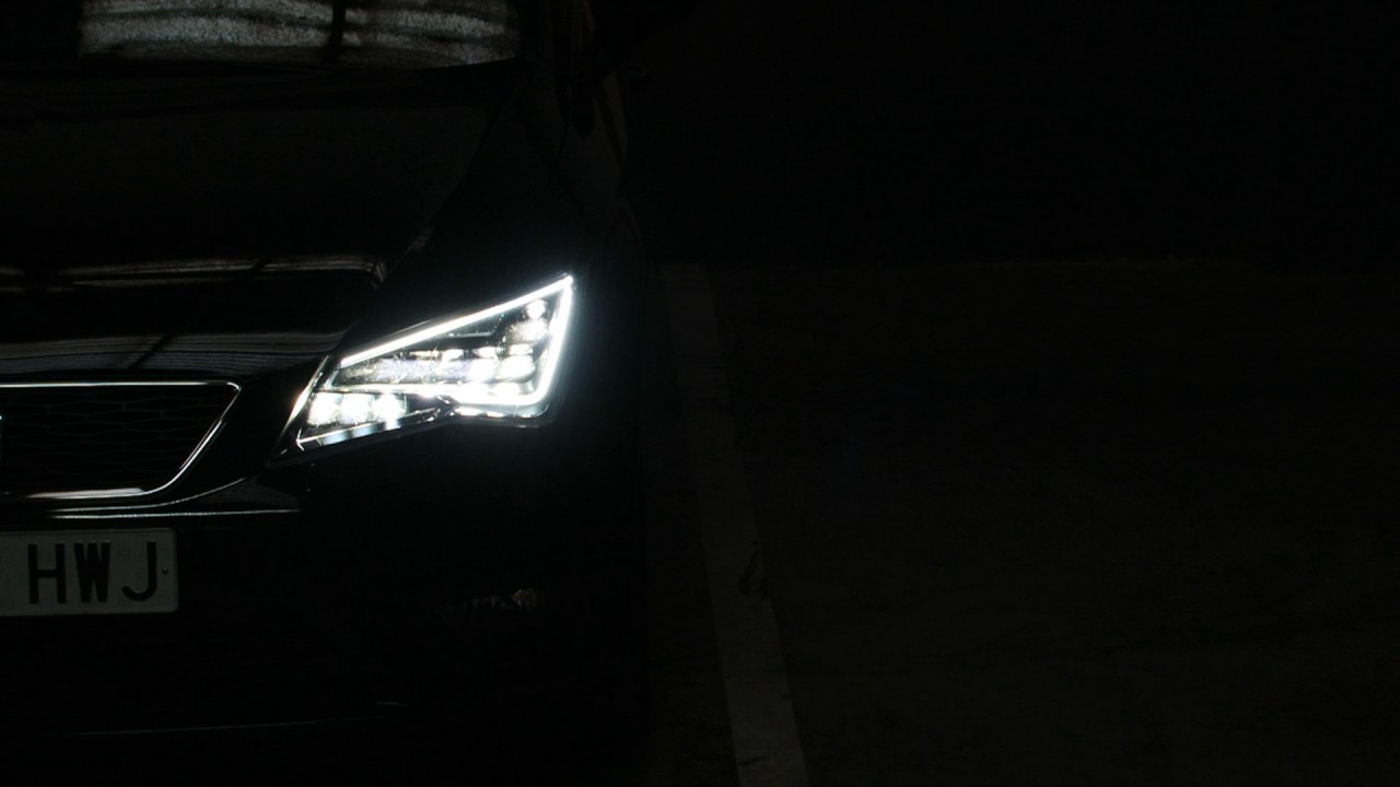 Retrofit full led seat leon 5f my14 youtube for Seat leon led verlichting
