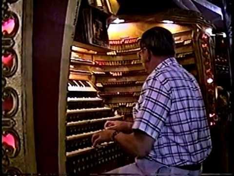 Jack Moelmann - Chicago Stadium Barton Organ - 1994 (complete)