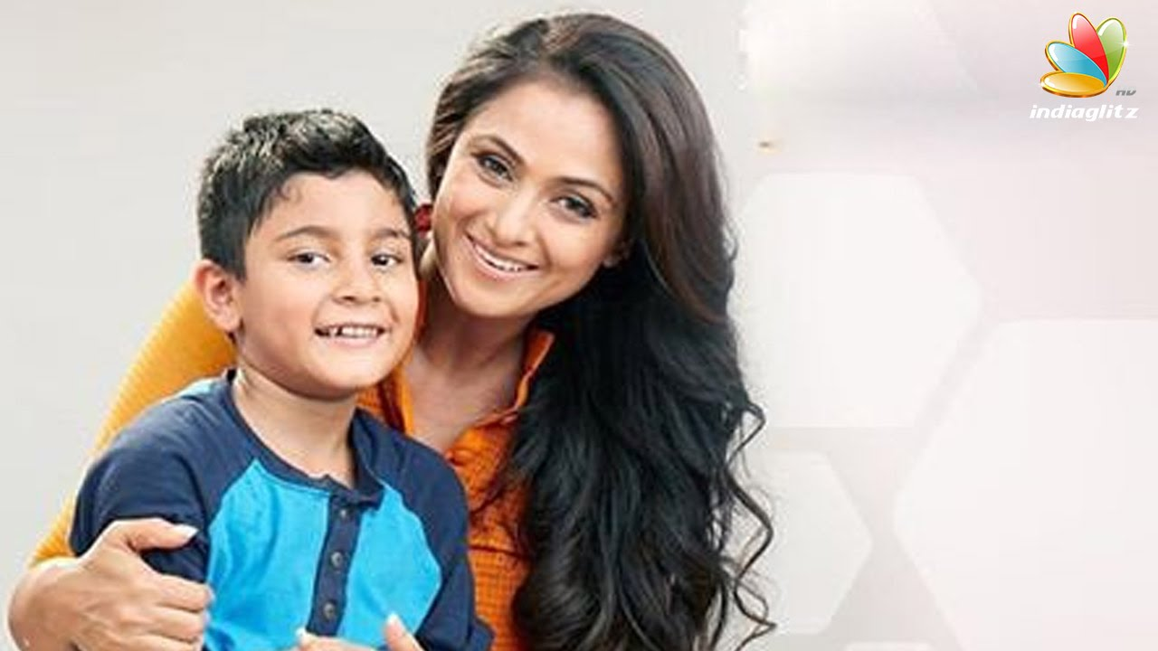 Simran Introduces Her Son To Kollywood  Hot Tamil Cinema -8415