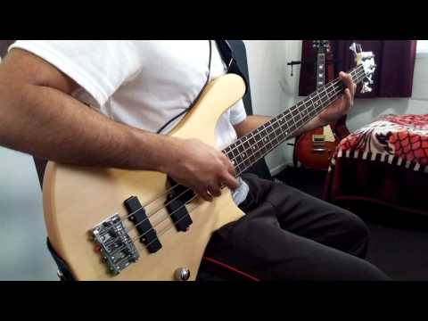 Supermassive Black Hole - Bass cover by Chordings