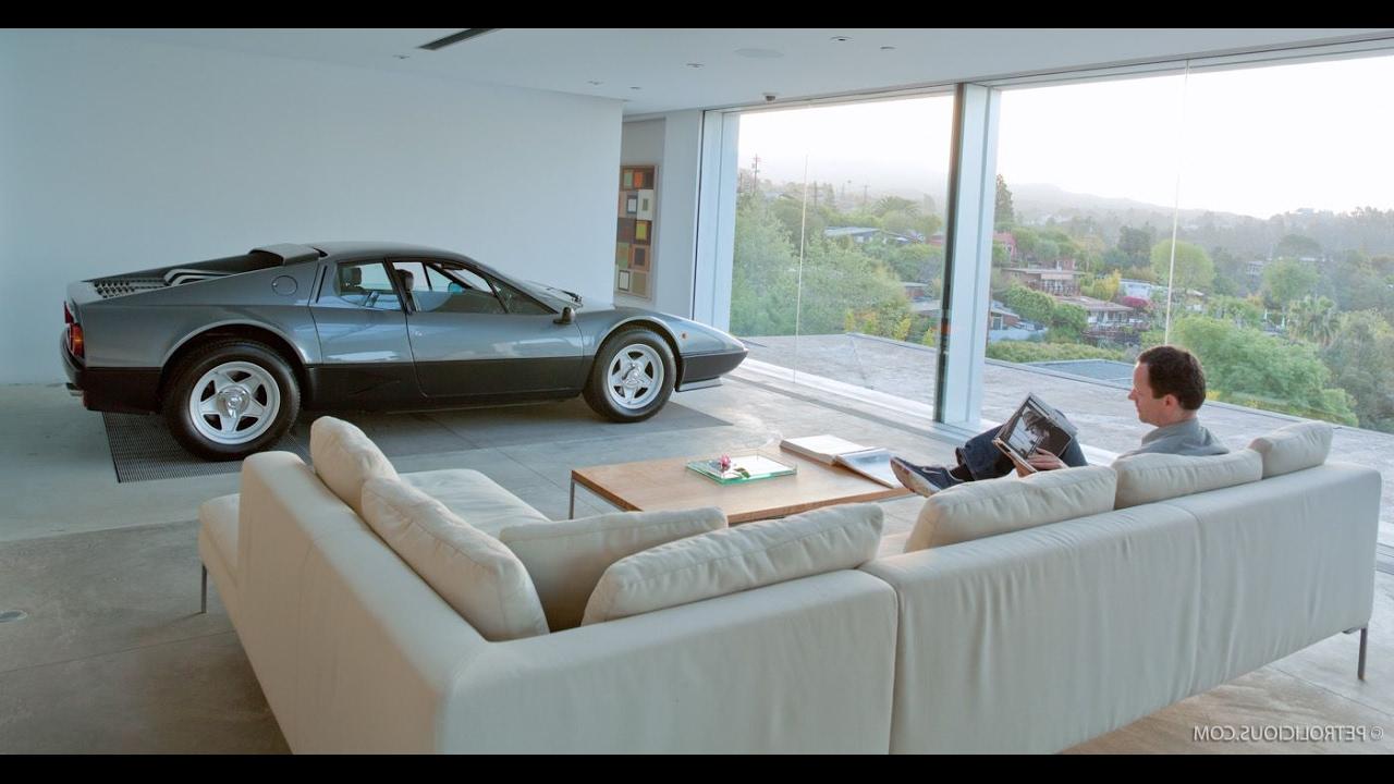 Život bogatih u Japanu - garaža u stanu