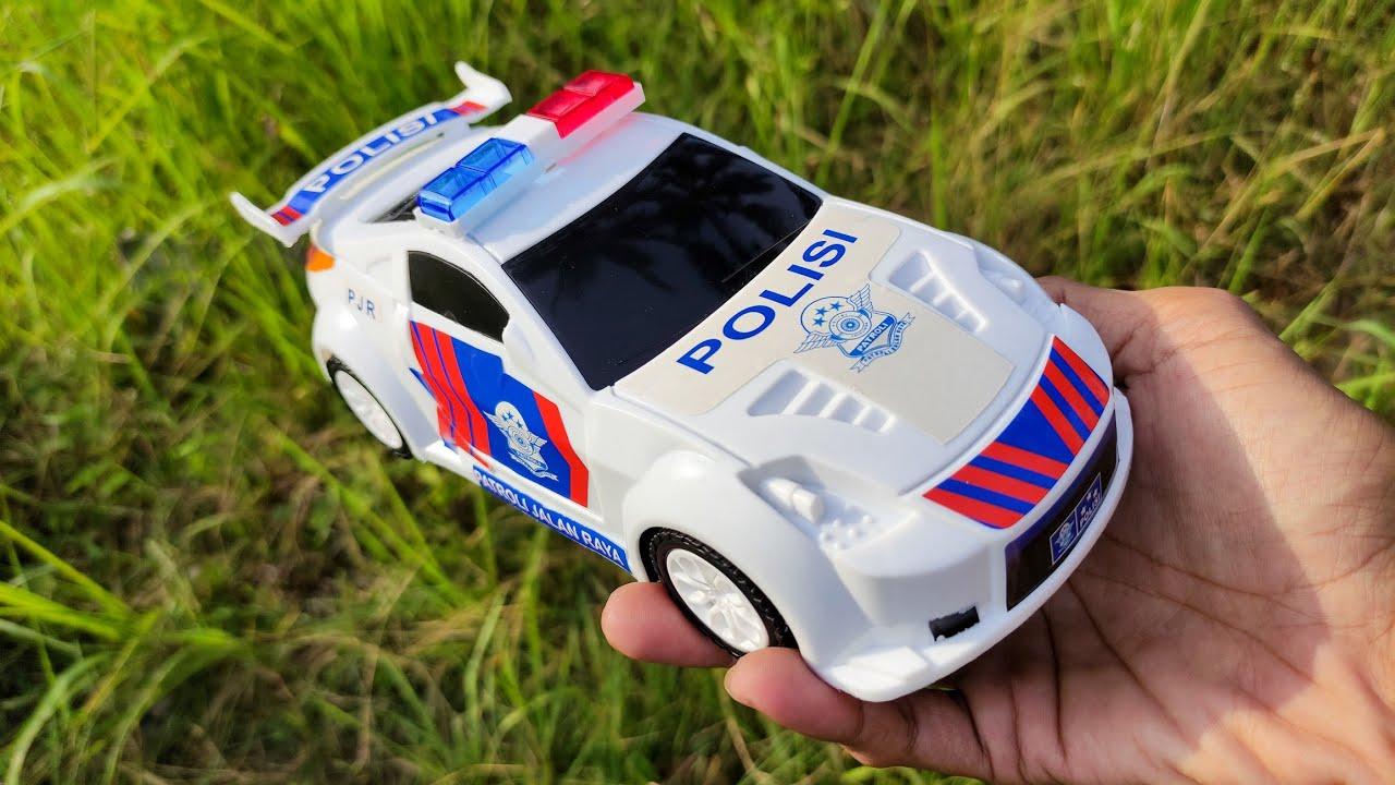 Menemukan Mainan Mobil Polisi, Mobil Disney, Mobil Offroad, Mobil Derek dan Motor Motoran