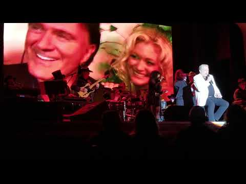The Girls All Get Prettier At Closing Time - Mickey Gilley (Live 2019)