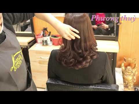 Kiểu tóc xoăn đuôi không bao giờ lỗi mốt(salon tóc phương thuỳ)0973345896