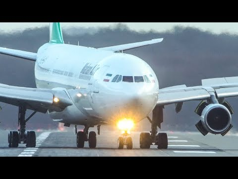 """AIRBUS A340 LANDING - """"We REVERSE on the Taxiway""""! (4K)"""