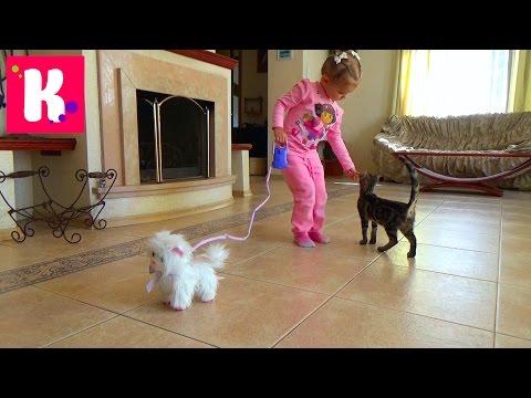 Кошечка Пушинка/ Распаковка игрушки/ Гуляем с кошечкой