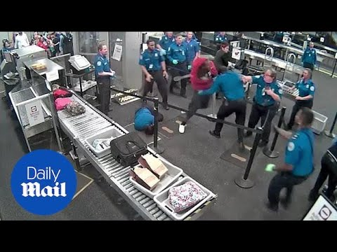 Man starts huge brawl with TSA agents at Phoenix airport