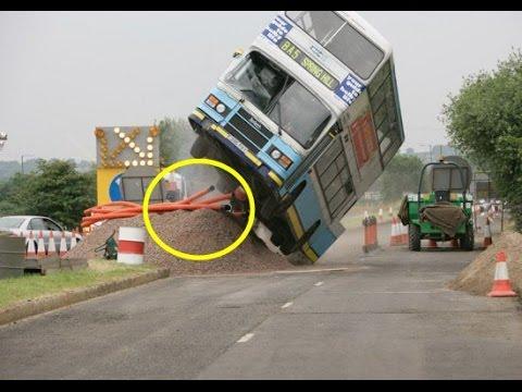 BREAKING NEWS|| At Least 14 Fourteen injured In Malaysian Bus Crash|| LTN 24x7