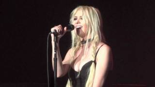 "The Pretty Reckless - ""Like a Stone"" [Audioslave cover] (Live in Los Angeles 10-11-11)"