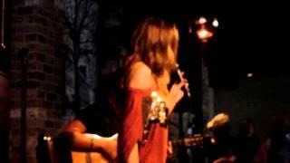 Respect (Aretha Franklin) ~ Dewi Pechler ~