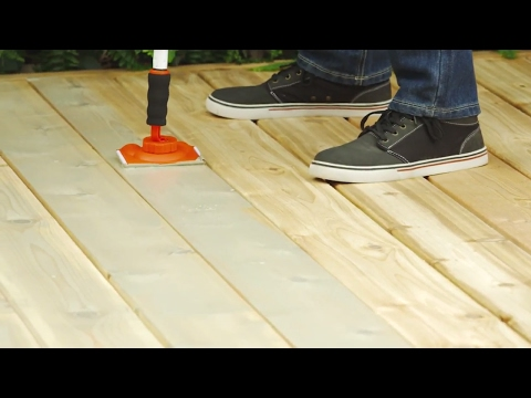 How To Stain A Deck (6 Steps)