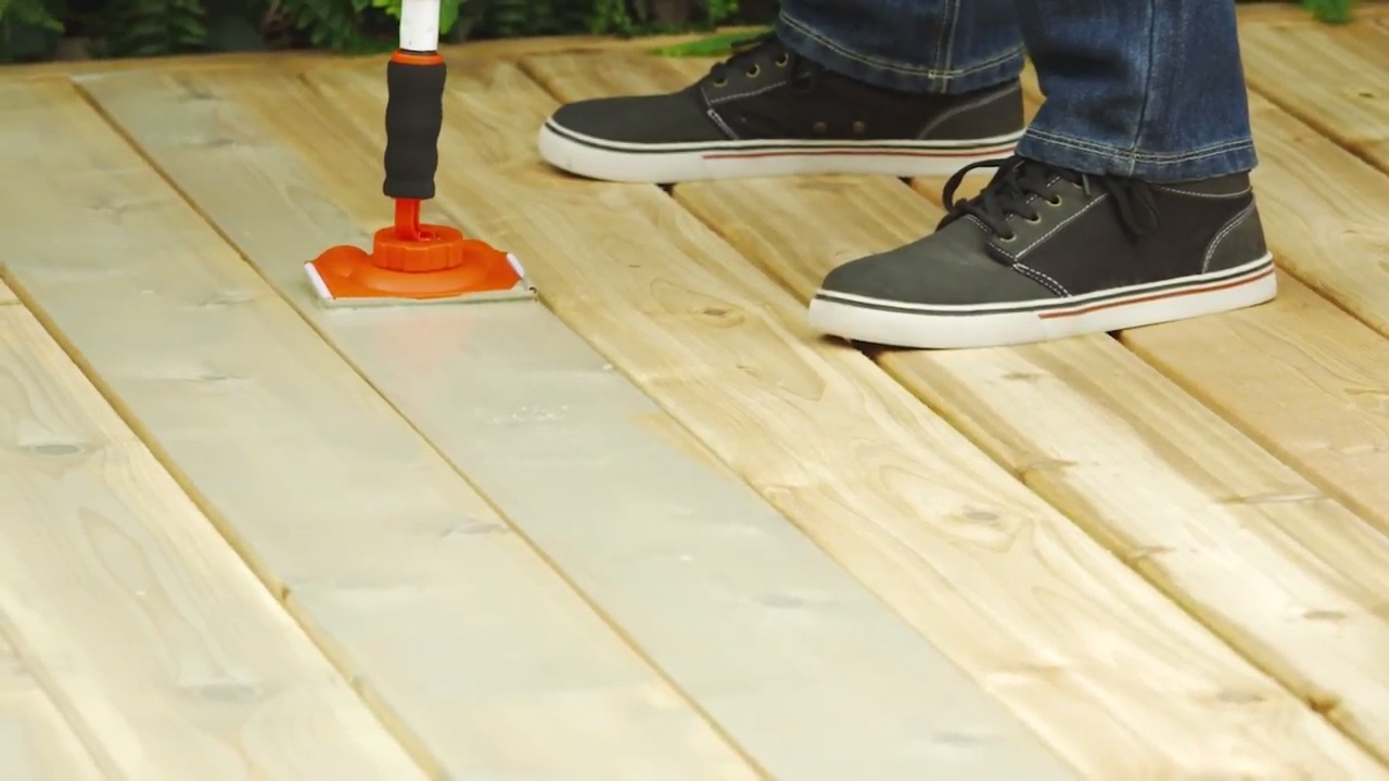 How To Stain A Deck 6 Steps