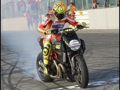 Mantap Banget Gan] Atraksi Motor Keren, Freestyle Moge & Mocil ...