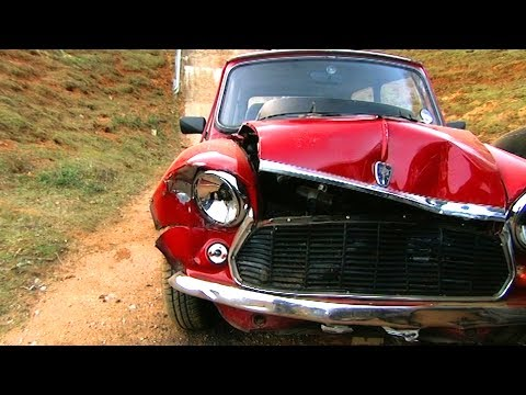 Crash Test: An Old Mini VS A Modern City Car – Fifth Gear