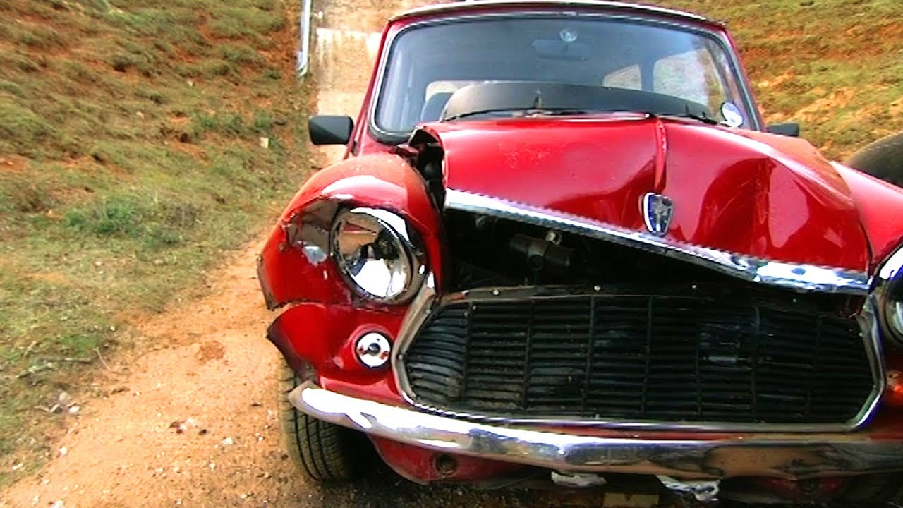 Crash Test An Old Mini Vs A Modern City Car Fifth Gear Youtube