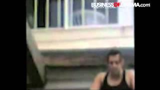 Salman Khan bares his body for fans!