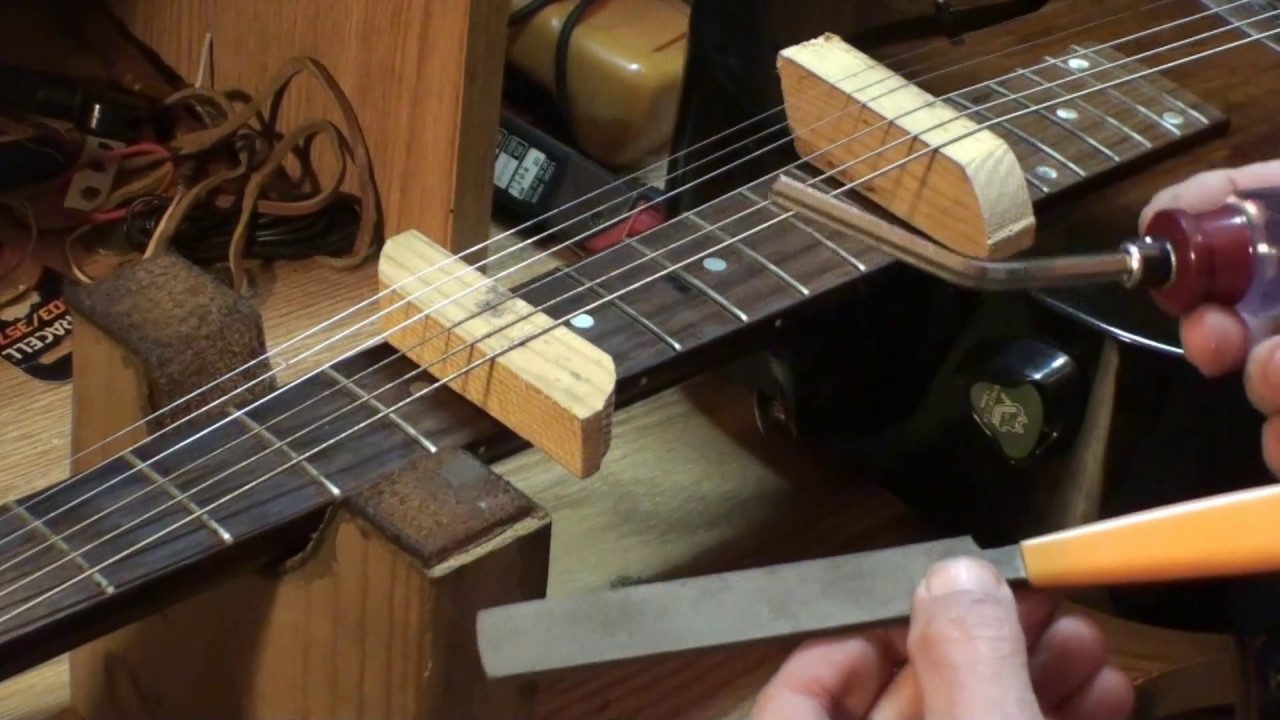 fixing guitar fret buzz when only one fret is buzzing youtube. Black Bedroom Furniture Sets. Home Design Ideas
