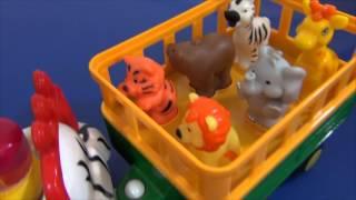 Игрушка трактор с прицепом. Фермер и дикие животные.
