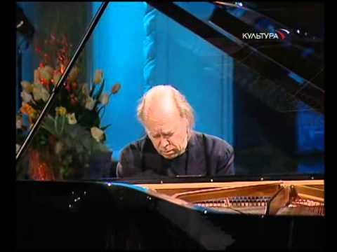 Valery Afanassiev plays Beethoven Sonata no. 15 'Pastoral' - video 2006