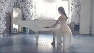 Irina T | Female Pianist | Dubai # 1 entertainment booking agency | 33 Music Group | Scott Sorensen