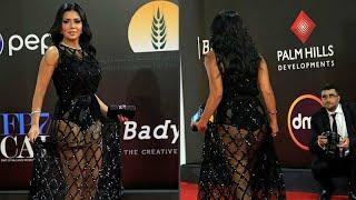"""الممثلة رانيا يوسف تعتذر عن لباسها بعد اتهامها بالفجور بسبب """"فستان مهرجان القاهرة""""…"""