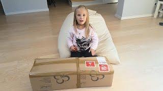 Сюрприз для Николь в БОЛЬШОЙ Коробке toys for kids ПОСЫЛКА для НИКОЛЬ ОТКРЫВАЕМ  Новую Игрушку