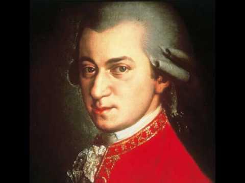 Mozarts Requiem  1  Introitus