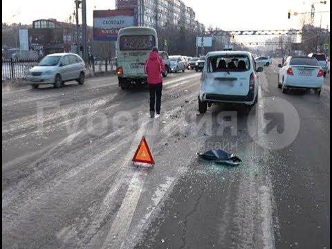Универсал и кроссовер разбил водитель хабаровской маршрутки.  Mestoprotv