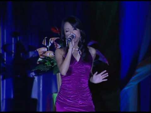 Tinh La Gi - A Hau Ngoc Ha @ Miss Vietnam Tet Pageant