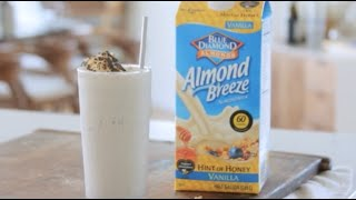How To Make A S'mores Milkshake // Living Deliciously With Almond Breeze