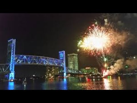 360-degree view of fireworks over the St. Johns River