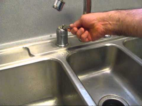 kitchen-sink-faucet-repair-tips