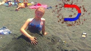 Полезный отзыв об Уреки:  цены, жилье  и  магнитный песок на пляже.