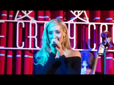 Catherine Tyldesley - Close To You (The Carpenters Cover) (HD) - The Crazy Coqs - 03.09.16