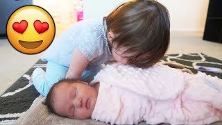 1 YEAR OLD AND NEWBORN BABY SISTER BONDING! *EXTREMELY CUTE*