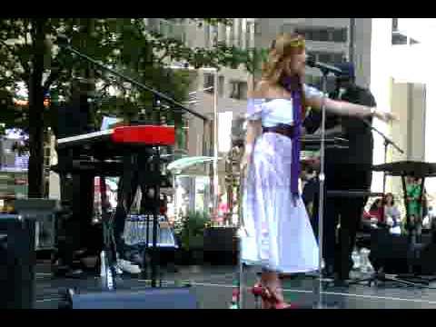 Ivana Santilli - Whateva U Want (live at BCE Place)