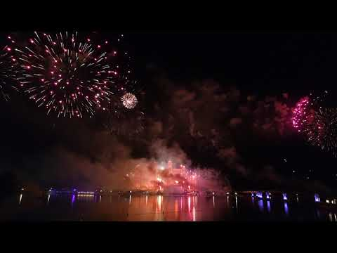 Dubai Atlantis Fireworks 2021 – Watch Till The End – Happy New Year To All Of You