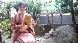 The Book of Zen Tea is written by a Zen monk in1828 about Japanese Tea Ceremony. this is the summery of Chapter 4. please enjoy.