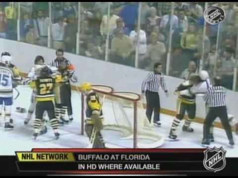 Randy Carlyle vs Brian Sutter Apr 14, 1981