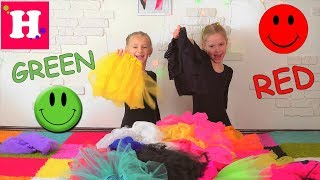 Learn colors with gymnasts / Учим цвета с гимнастками / english colors