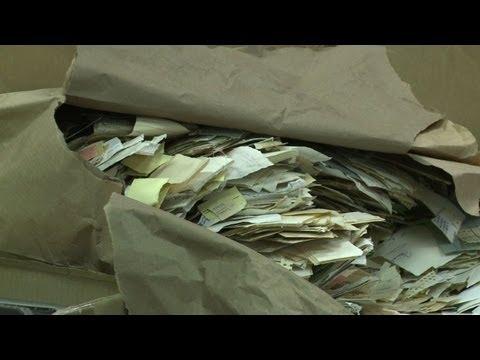 La difficile reconstitution des archives détruites de la Stasi