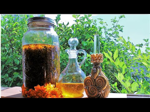 Sunshine In A Bottle Herbal Oil / DIY Calendula Infused Oil Is Natural And Nourishes Maturing Skin