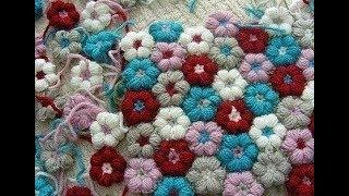 Маленькие цветочки -  бутончики из пряжи