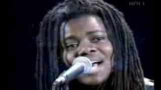 Tracy Chapman - Baby Can I Hold You (1988)