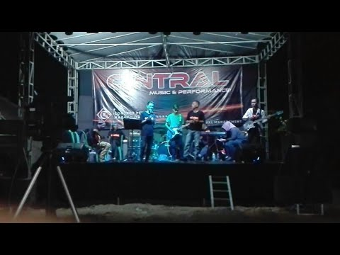 C-NTRAL Live Performance Tunggul Payung
