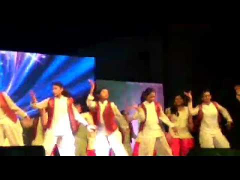 school rocking performance by k2 girls c4 Scts